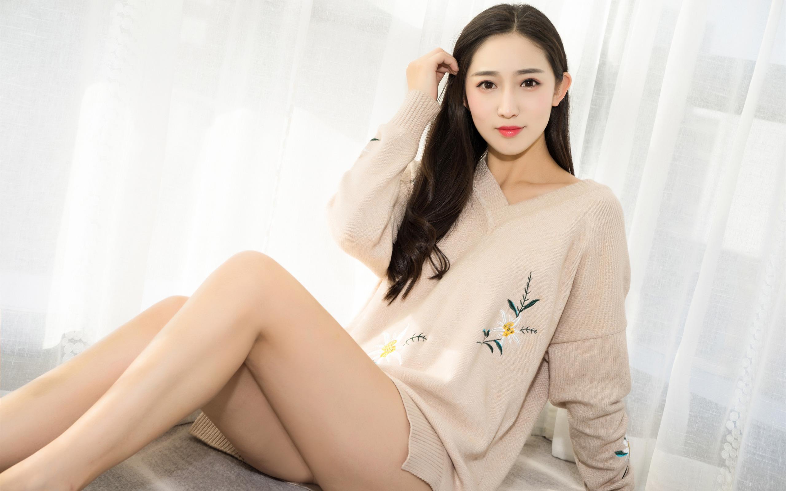 美女模特,丝袜美腿,毛衣,长发,性感,大长腿