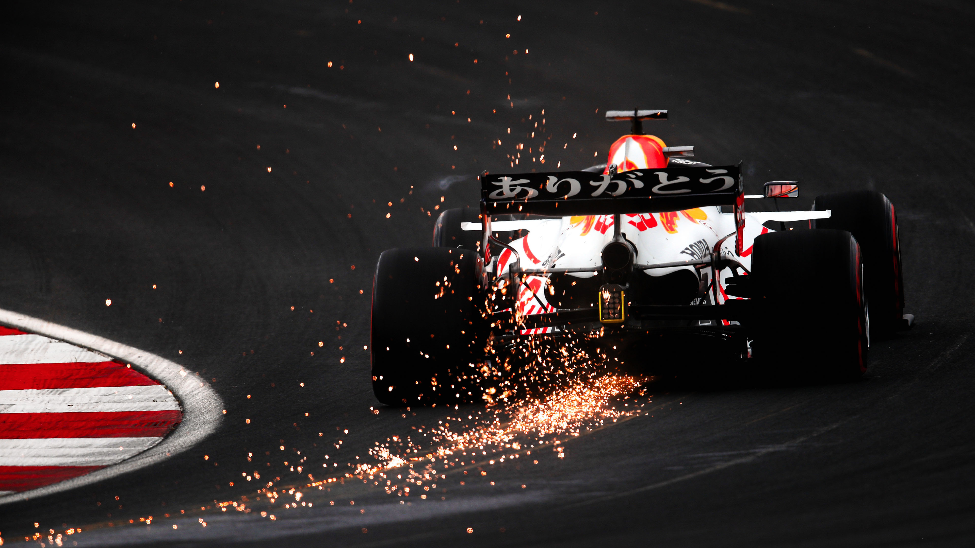 汽车天下,赛车,F1方程式,火花